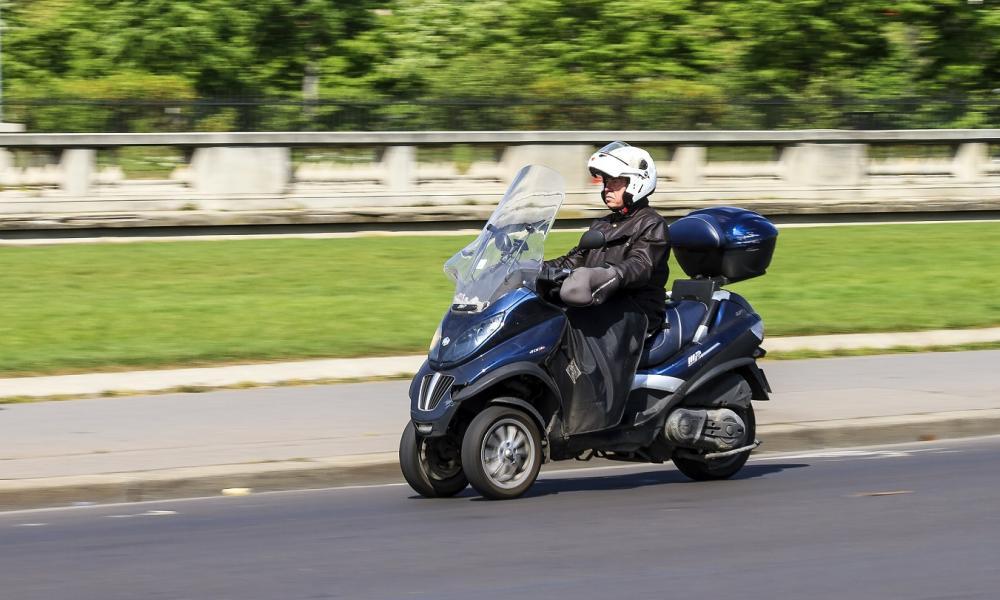 avec quel permis puis je conduire mon 3 roues mutuelle des motards. Black Bedroom Furniture Sets. Home Design Ideas